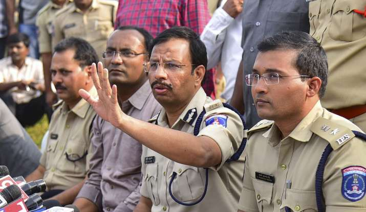 Cyberabad Police Commissioner VC Sajjanar, who carried...- India TV