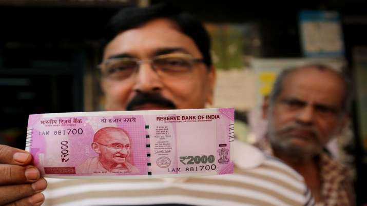 Rupee extends winning run for 6th day against US dollar, gains 7 paise- India TV Paisa