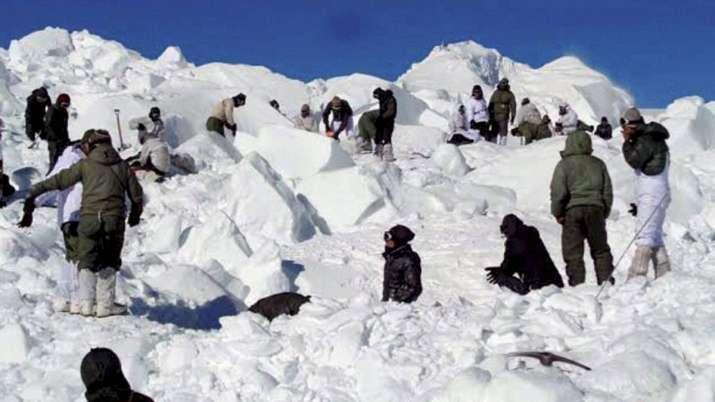 कश्मीर में बर्फीले तूफान का कहर, भारतीय सेना के 3 जवान लापता- India TV