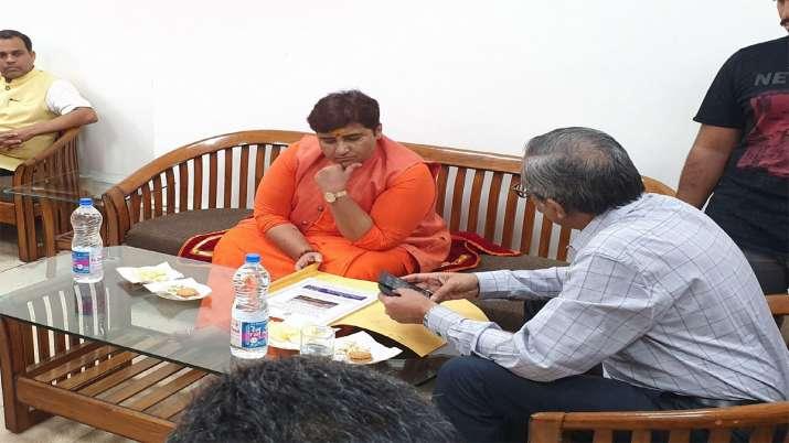 Pragya Thakur's complaint against Rahul Gandhi may be sent to privilege committee- India TV