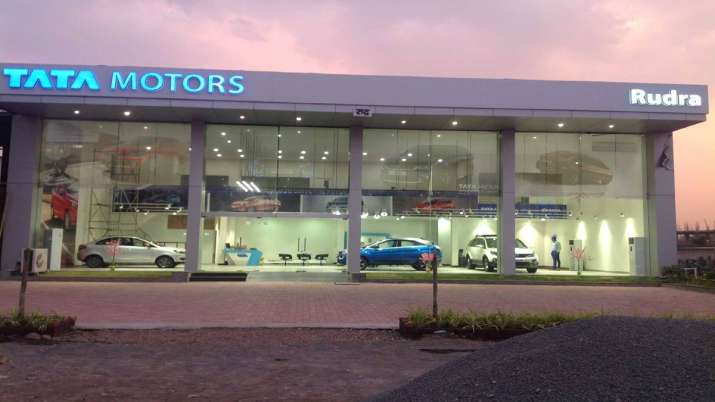 Tata Motors to add another 100 sales outlets for passenger vehicles this fiscal- India TV Paisa