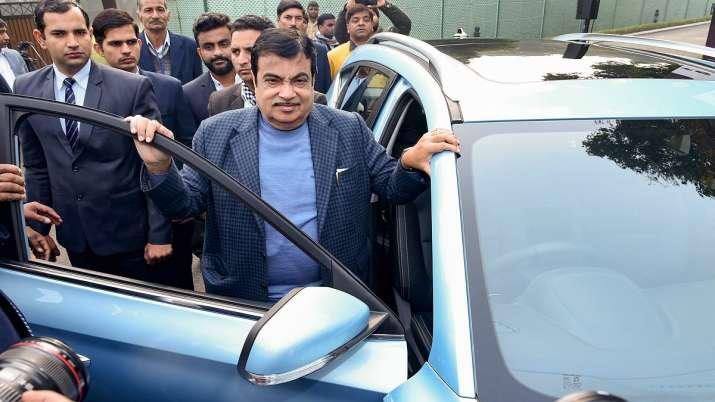 Nitin Gadkari, Transport Minister, driverless car- India TV Paisa