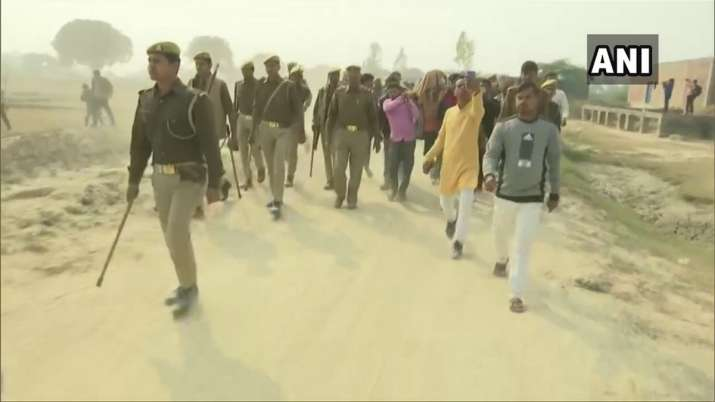 Mortal remains of Unnao rape victim being taken for last...- India TV