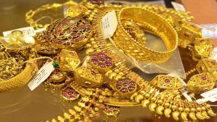 Gold gains Rs 54 on weaker rupee, global cues- India TV Paisa