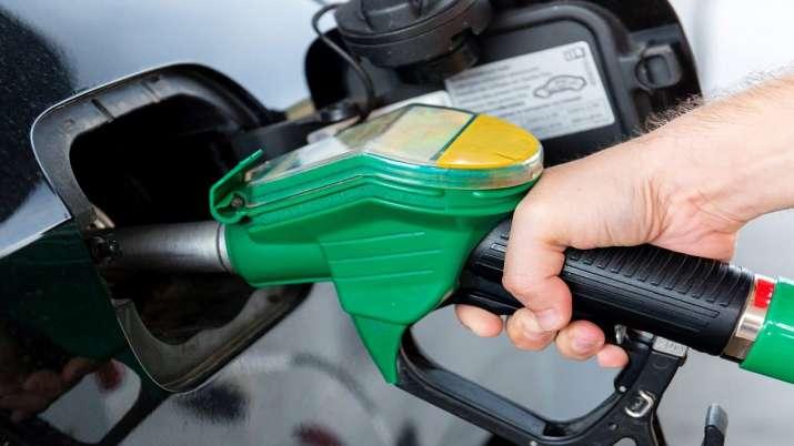 Pakistan Govt hikes petrol price by Rs2.61- India TV Paisa