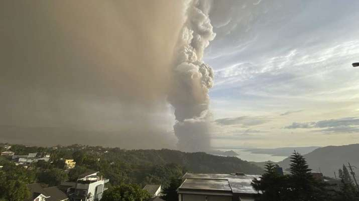 Philippines, Philippine volcano, Philippines volcano, Philippines volcano flights suspended- India TV