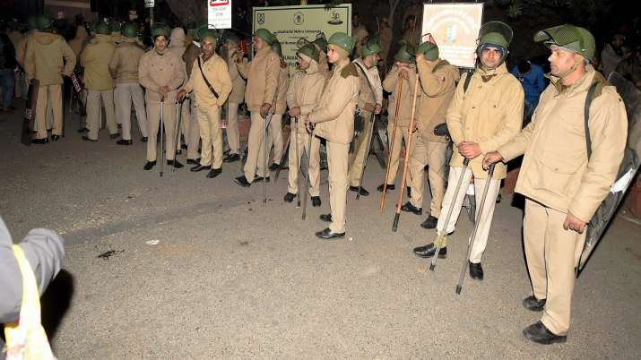 Policemen at out side of the JNU- India TV