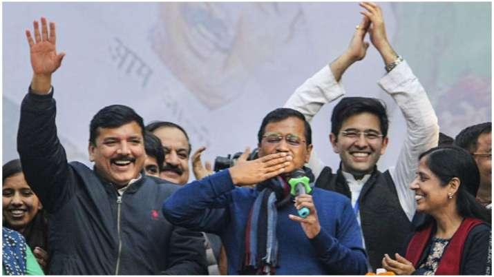 अरविंद केजरीवाल के घर आज विधायकों की बैठक, LG से मिलकर पेश करेंगे सरकार बनने का दावा- India TV