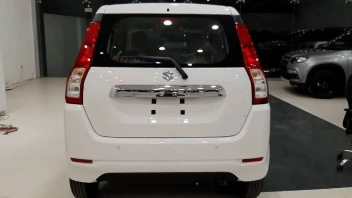 Maruti launches BS-VI compliant CNG variant of WagonR, price starts at Rs 5.25 lakh- India TV Paisa