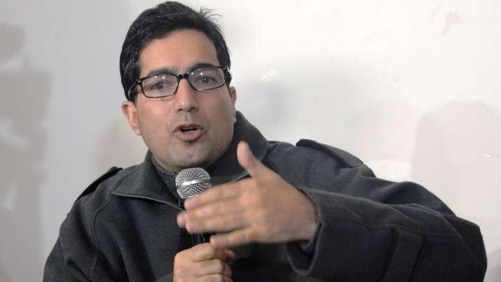 पूर्व आईएएस अधिकारी शाह फैसल के खिलाफ पीएसए के तहत मामला दर्ज- India TV