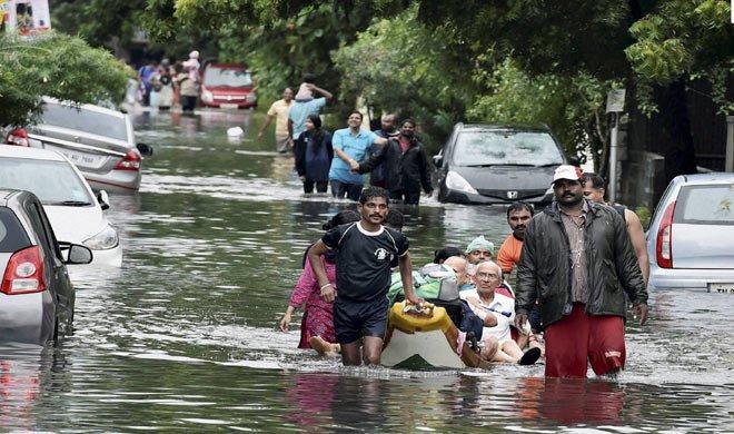 #chennairains: तमिलनाडु में हर तरफ पानी ही पानी, अब तक 105 मरे