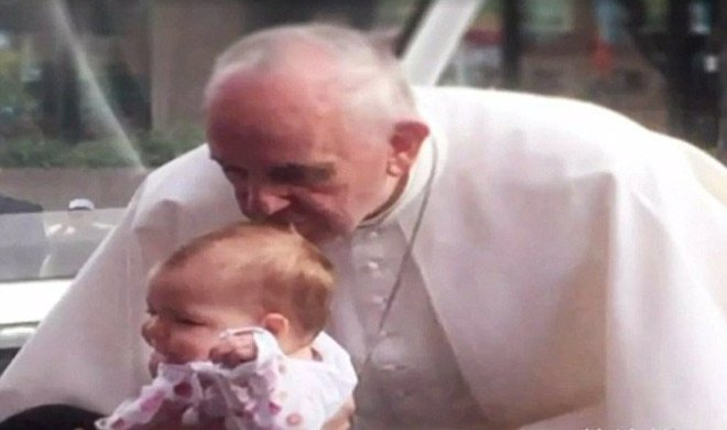 ईश्वर का चमत्कार, पोप...- India TV